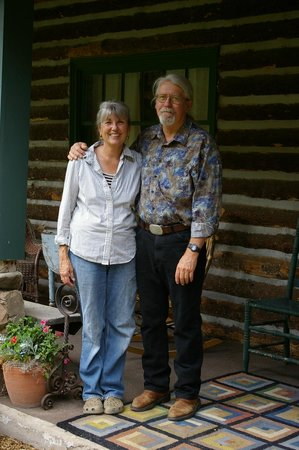 Four Mile Creek Bed and Breakfast: Sharill and Jim
