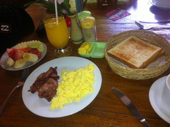 Secret Garden Inn: delicious complimentary breakfast