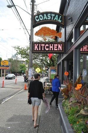 Charmant Entrance To Coastal Kitchen