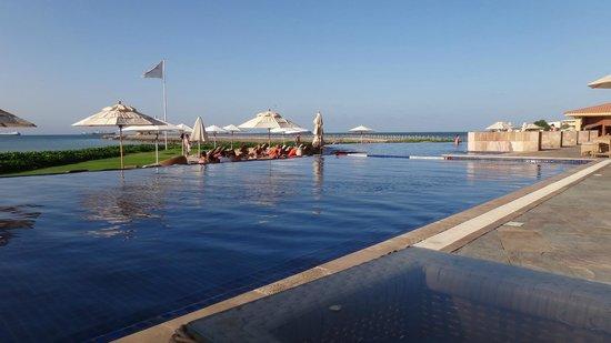 Djibouti Palace Kempinski: プール