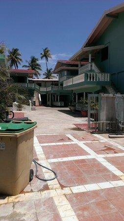 Radix Beach Resort: walking through the resort
