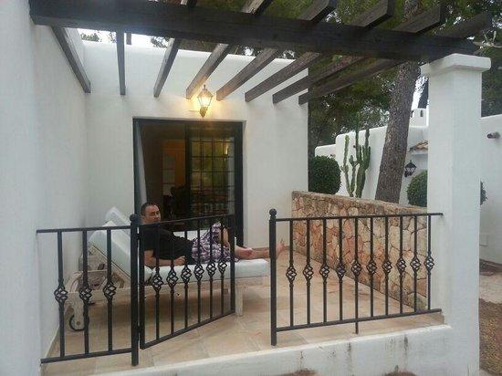 Agroturismo Sa Talaia : porche habitacion