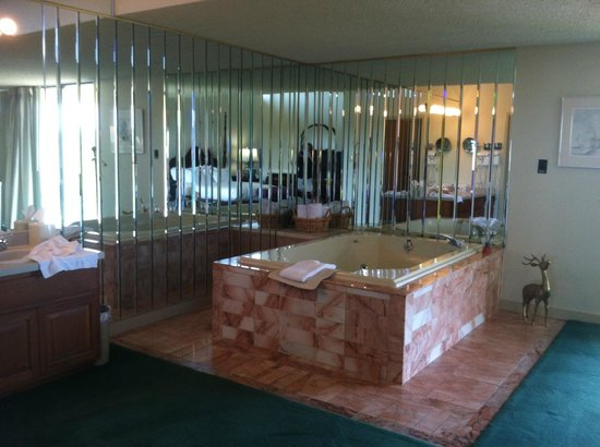 Lodge of  Four Seasons: Presidential suite, 4th floor