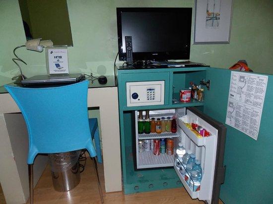 La Fortezza: notebook, tv y frigobar