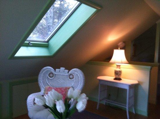 Inn at Bay Ledge: Second floor bedroom in Summer Cottage