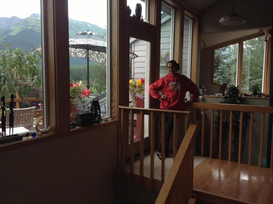 Glacier View Bed & Breakfast: Connie the owner