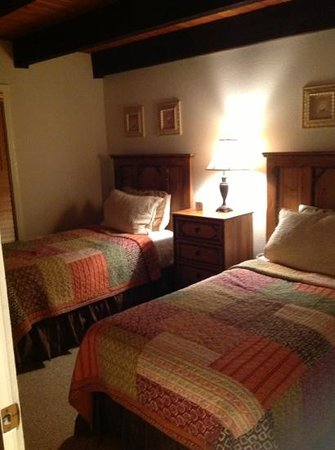 Vail Racquet Club Mountain Resort: 1st bedroom