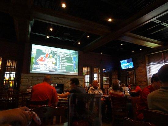 Champps Americana: Sports Bar decor