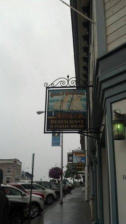 Cask and Schooner Public House & Restaurant: The sign outside the front door