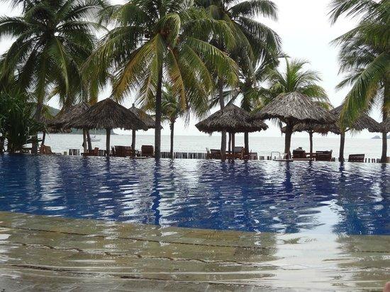 Villa del Sol Resort: One of the pools