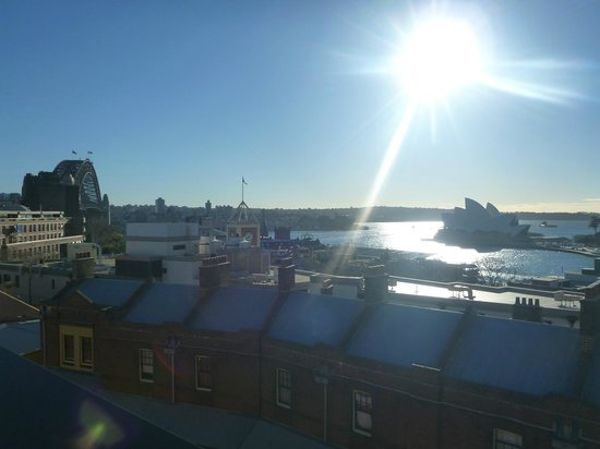 Sydney Harbour YHA: View from roof top terrace