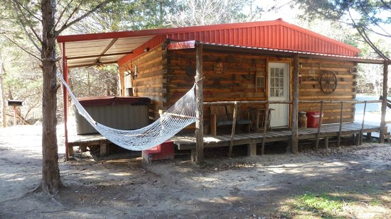 River of Love Cabins: Red Bud Cabin