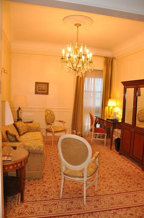 Alvear Palace Hotel: My lovely sitting area