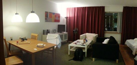 Htel Serviced Apartments Amstelveen: Inside apartment