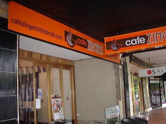 Cafe Zingers: Ready to serve you