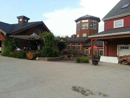 Auburn Twin Oaks Winery: what a beautiful winery