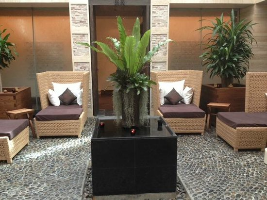 Spa Cenvaree at Centara Grand Beach Resort Phuket: Sitting place