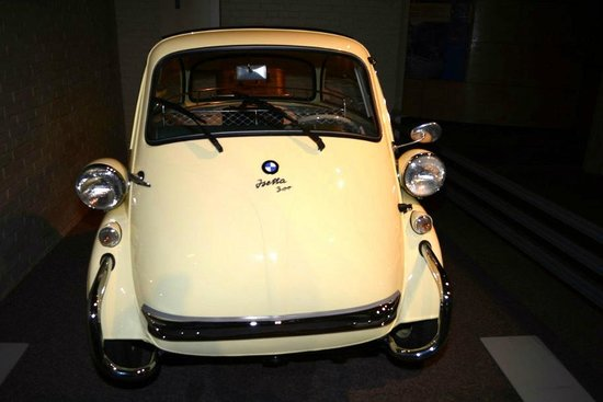 The Saratoga Automobile Museum: BMW Isetta 300