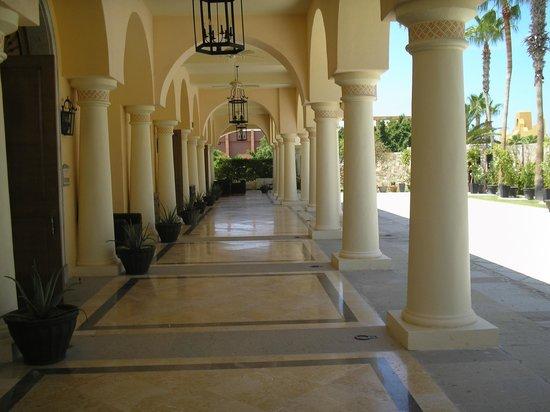 Hilton Los Cabos Beach & Golf Resort: Ballroom Hotel Grounds
