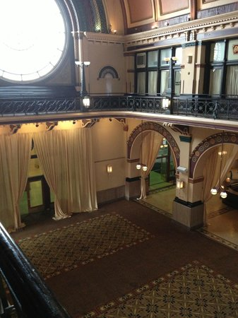 Crowne Plaza Indianapolis Downtown (Union Station): Grand ballroom across the street