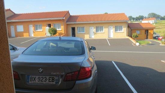 Hotel Cantal Cottages: Emplacement réservé pour chaque chambre
