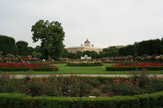 Volksgarten: Another view of the garden