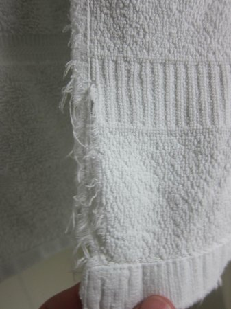 Satelite Motel Sault Ltd: Bathroom towel