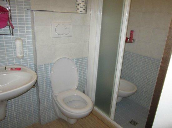 Hotel Fabrizio: BAGNO
