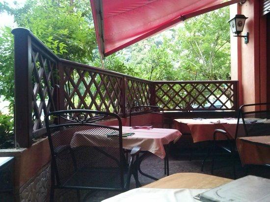 C'Era Una Volta : Vue de la terrasse en été...