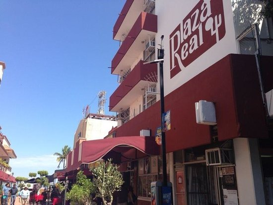 Plaza Real Hotel: Great service!! Great location!!
