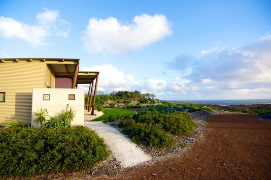 Redgate Beach Escape: Side of the house