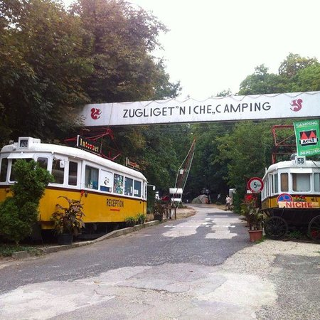Zugligeti Niche Camping: Historic Tram display at entrance