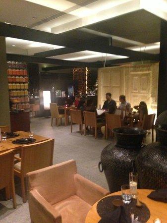 EEST - The Westin Gurgaon: The restaurant is spacious
