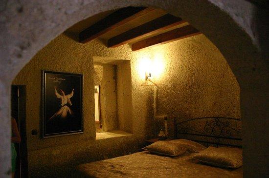 Dervish Cave House: Particolare camera letto