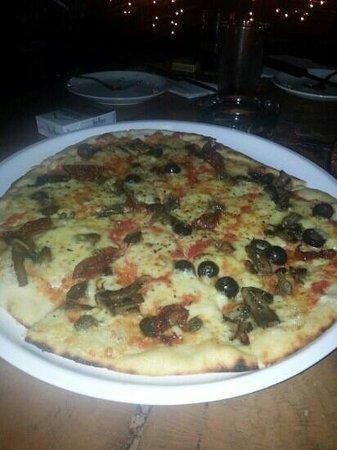 Casa Bella Vista: sundance pizza