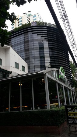 Best Western Plus At 20 Sukhumvit : Exterior of hotel