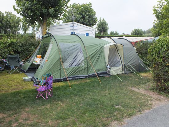 Camping Le Bois Joly : Pitch without van parked on.