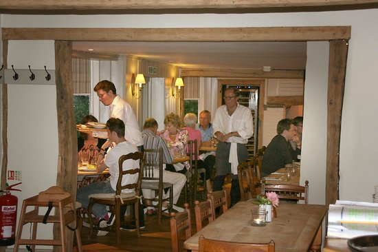 The George at Burpham: Attentive waiter service