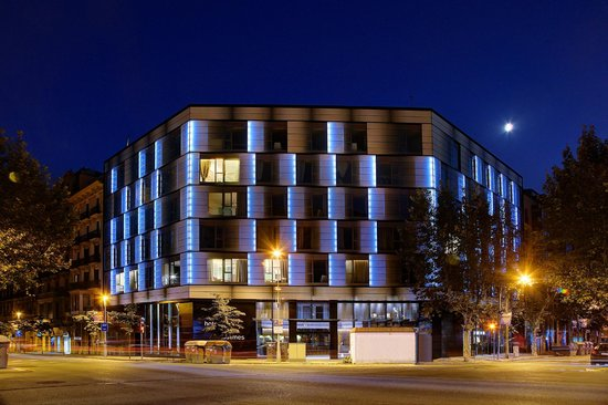 Olivia Balmes Hotel : Front View Night