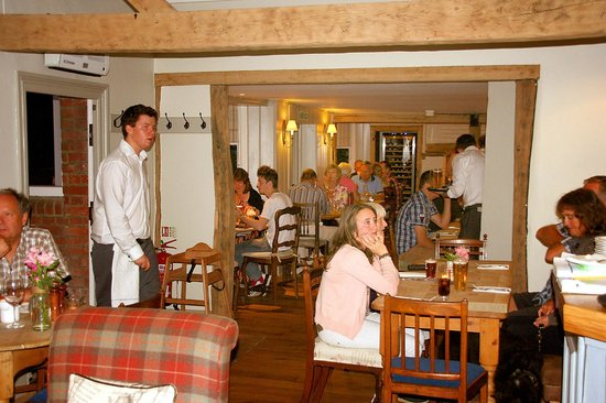 The George at Burpham: Relaxed dining area!