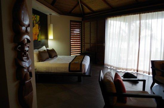 Hotel Tieti Poindimie: la chambre vue de l'entrée
