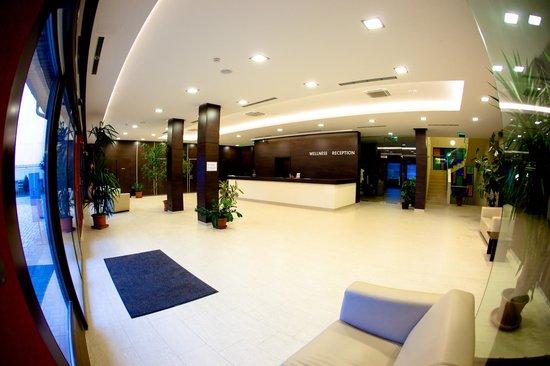 Budapest Airport Hotel Stacio: Wellness reception