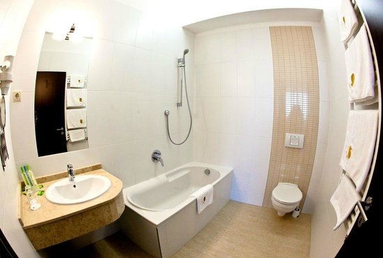 Budapest Airport Hotel Stacio: Bathroom