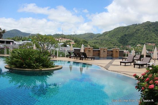 Peach Blossom Resort: One of the pool area ...this is the Mango Pool