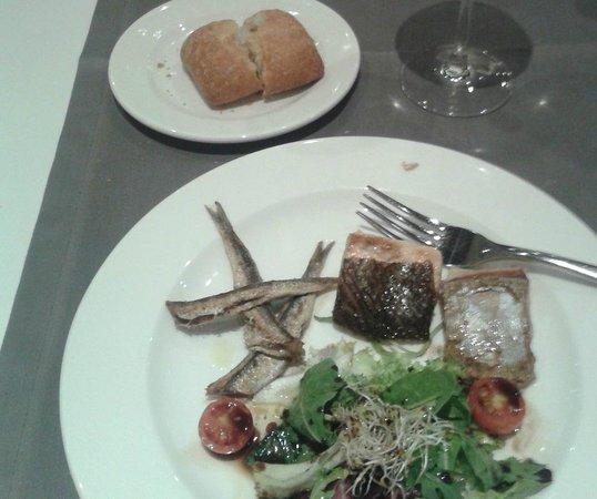 Double Tree Hilton  Hotel Girona: Parrillada de pescado, en su rest. La Sargantana.