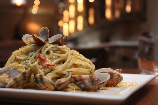 Cacciari's Italian Pizzeria & Restaurant: Linguine with clams & bottarga!!!