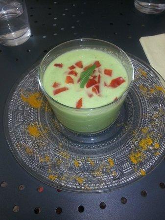 La Petite Fadette : Gaspacho de concombre à la crème, échalote et poivron