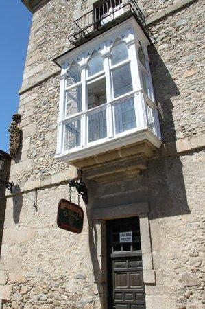 La Casa del Reloj: facade