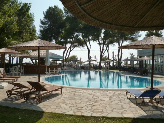 Tara Beach Hotel: Pikiona pool