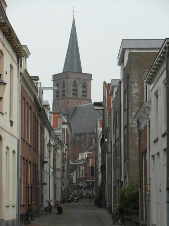 Sint-Joriskerk: View on the St. Joris church